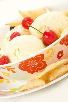 Come to Just Peachy in West Bloomfield Township, MI for your frozen yogurt/custard fix! We are located at 4312 Orchard Lake Road but feel free to call us at Frozen Custard Recipes, Frozen Desserts, Ice Cream Recipes, Frozen Treats, Kitchen Aid Ice Cream, Gelato Ice Cream, Italian Ice, No Sugar Diet, Gluten Free Sweets