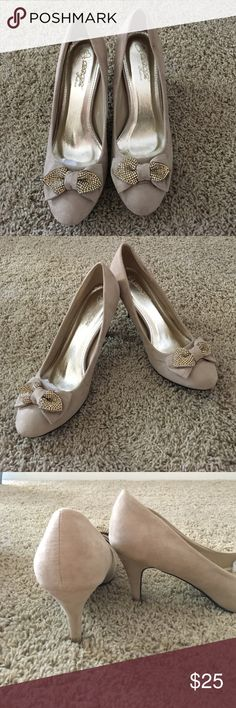 Nude Heels Fun gold bow sequin nude heels! Wore once for a wedding. Bought from Nordstroms. VERY small grass stain on back of left heel (see last photo). Offers Welcome! 😃 DBDK Shoes Heels