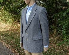 "Vintage Mens Blazer, Gray Houndstooth, 44"" Bust, Wool Tweed, Two Button, Sport Coat, Arnold Palmer, 33"" Front Length by VintageThreadsAddict on Etsy"