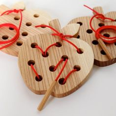 Wooden Lacing and Threading Toy. This would be a great first proje… Wormy Apple! Wooden Lacing and Threading Toy. This would be a great first project to use my new dremel tool! Maybe hearts for Valentine's Day! Wooden Projects, Wooden Crafts, Diy For Kids, Crafts For Kids, Homemade Toys, Montessori Toys, Preschool Toys, Wood Toys, Diy Toys