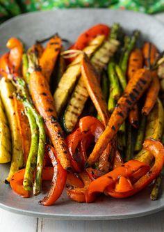 Grilled Vegetable Marinade, Marinated Grilled Vegetables, Bbq Vegetables, Side Dish Recipes, Veggie Recipes, Healthy Recipes, Cooked Vegetable Recipes, Summer Vegetarian Recipes, Summer Recipes