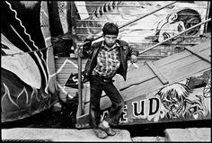 """El niño y el infierno"" é uma fotografia registrada em 1985 por Yolanda Andrade."