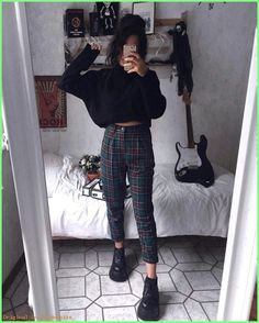 Rama lama on 1 or 2 anzeige verlinkungen alternativefashion plaidpants darkfashion grungeaesthetic grungestyle outfitinspo on what trends are you leaving in 2019 Fashion Mode, Dark Fashion, 90s Fashion, Korean Fashion, Fashion Outfits, Hipster Fall Fashion, Grunge Fashion Winter, Winter Hipster, Fashion Ideas