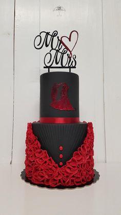 Wedding cake by CakeArtMartinka - http://cakesdecor.com/cakes/294516-wedding-cake