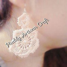 #handmade #bijoux #bijouxhandmade #orecchini #earings #gioielli #jewelry #accessori #pizzo #seta #onsale #macrame #macramejewelry #macrameearing #invendita #piuddyartisancraft