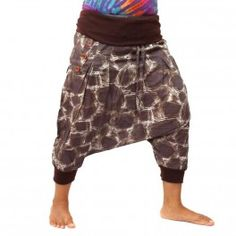 3/5 Aladdin pants to button up and with an elastic
