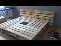 Doppelbett aus Europaletten - YouTube
