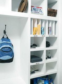 mudroom drop off station | Drop off station - Purse, keys, charging, computers, ... | Home - Mud ...