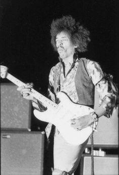 Jimi Hendrix on November 1968 in Boston, Massachusetts USA at Boston Garden. Jimi Hendrix Experience, Music Is Life, My Music, Jazz Music, Rock Band Photos, Band Of Gypsys, Seattle, Hey Joe, Psychedelic Music