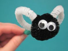 shoo fly There was an old lady who swallowed a fly easy kids craft #homeschool