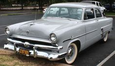 1953 Ford Customline - Information and photos - MOMENTcar