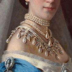 Amazing details of Empress Maria Feodorovna Wave Pearl Parure The parure and other pieces from the Russian Royal Family were auctioned after the Revolution