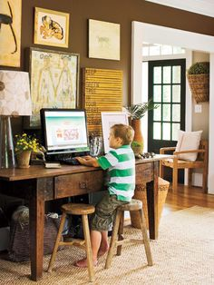 home design house design Desk Areas, Desk Space, Desk Nook, Home Office, Family Office, Kitchen Office, Office Workspace, Southern Living Rooms, Brown Walls