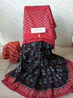 Elegant Fashion Wear Explore the trendy fashion wear by different stores from India Elegant Fashion Wear, Trendy Fashion, Fashion Outfits, Womens Fashion, Fashion Clothes, Kota Silk Saree, Silk Cotton Sarees, Velvet Saree, Saree Look