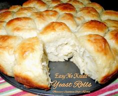 Need some amazing Thanksgiving Rolls? These rolls are so easy you can have fresh bread any day of the week! **Easy No Knead Yeast Rolls**! Best Yeast Rolls, Homemade Yeast Rolls, No Yeast Dinner Rolls, Bread Recipes, Cooking Recipes, Bisquick Recipes, What's Cooking, Muffin Recipes, Soup Recipes