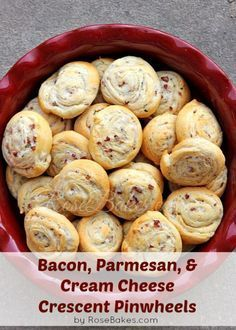 Bacon, Parmesan, & Cream Cheese Crescent Pinwheels - super easy, fast, and delicious! Finger Food Appetizers, Appetizers For Party, Appetizer Recipes, Dip Recipes, Snack Recipes, Calzone, Tapas, Great Recipes, Favorite Recipes