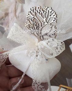 Μεταλλικό δέντρο της ζωής πάνω σε βότσαλο by valentina-christina handmade products χειροποίητες μπομπονιέρες γάμου,χειροποίητες μπομπονιέρες βάπτισης το δέντρο της Ζωής καλέστε 2105157506 #mpomponieres #mpomponieresgamou#βάφτιση#μπομπονιερα #μπομπονιέρες #μπομπονιερες#valentinachristina #vaptism#vaptisi #christeningfavors #μπομπονιερες_γαμου#weddingfavors #baptismfavors #μπομπονιέρες_γάμου_βότσαλο#μπομπονιέρα_δέντρο#δεντρο_της_ζωης Marriage, Weddings, Mariage, Bodas, Wedding