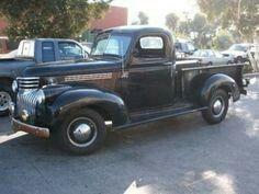 McQueen's 1941 Chevrolet Pick-Up - Autos neue & alte - Truck 1946 Chevy Truck, Vintage Chevy Trucks, Antique Trucks, Classic Chevy Trucks, Chevrolet Trucks, Vintage Cars, Vintage Room, Vintage Diy, Vintage Ideas