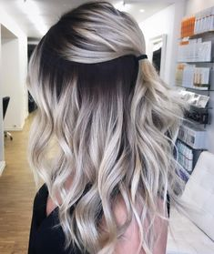 blonde hair with dark roots \ blonde hair . blonde hair with lowlights . blonde hair with dark roots . blonde hair with highlights Balayage Straight Hair, Dark Roots Blonde Hair Balayage, Blonde Hair With Color, Black Roots Blonde Hair, Blonde Lowlights, Dark Roots Hair, Blonde Wig, Brown Hair, Ombre Hair Color For Brunettes