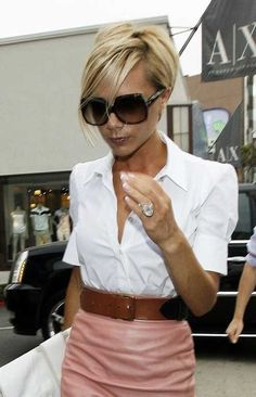 15 Victoria Beckham Short Blonde Hair