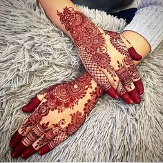 This time we are sharing with you our Best and Latest Flower Mehndi Designs which are purely different from others these Designs are from the Best of the Best Mehndi Artists. Henna Hand Designs, Dulhan Mehndi Designs, Mehandi Designs, Mehndi Designs Finger, Modern Henna Designs, Khafif Mehndi Design, Mehndi Designs Feet, Latest Bridal Mehndi Designs, Arabic Henna Designs