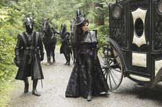 I love how Regina always dresses like a combination rich mourner/black widow(Avengers widow I mean) in the fairy tale world. She's a classy, dark ninja if I ever saw one.