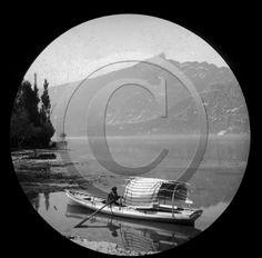 Lac du Bourget,  grand canot de promenade avec carosse