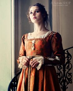 Historical costume Renaissance Italian gown medieval dress late 15th century women's dress Borgia style !ONLY TO ORDER!