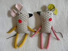 Fabric Toys, Fabric Crafts, Sewing Toys, Sewing Crafts, Toilet Paper Crafts, Handmade Stuffed Animals, Handmade Soft Toys, Bunny Crafts, Sewing Projects For Kids