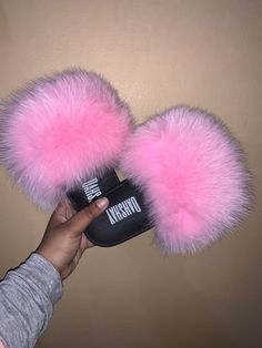 Girly Girl Outfits, Girly Girls, Cute Uggs, Crocs Fashion, Fluffy Shoes, Pink Tumblr Aesthetic, Cute Slides, Jordan Shoes Girls, Amazon Beauty Products
