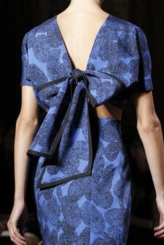 Spring 2011 Yves Saint Laurent - details - blue print dress, cut out back, bow back