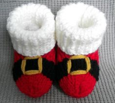 Santas Booties fromCraftsy Pattern: http://knitting.myfavoritecraft.org/christmas-patterns/