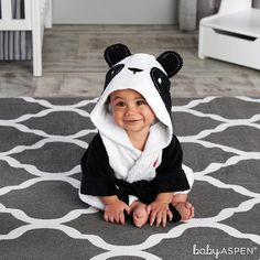 """Imagine a perky panda with open arms waiting to embrace that newborn after a bath! Our delightful panda hooded bath robe for baby makes tub time """"zoo-per"""" fun! Features and facts: Baby-bundling panda Panda Kindergarten, Baby Kleidung Set, Panda Baby Showers, Panda Nursery, Baby Aspen, Hooded Bath Towels, Little Panda, Baby Towel, Baby Cartoon"""