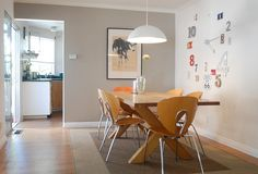 Fashionable Dining Table Chairs Design Ideas With Grey Wall Wall Art Wooden Table Wooden Chairs Grey Rug Hanging Lamps Wooden Floor Wood Slab Dining Table, Ikea Dining, Dining Table Design, Modern Dining Chairs, Rustic Table, Balcony Table And Chairs, Dining Table Chairs, Side Chairs, Cozy Living Rooms