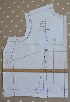 Fun with fit part 2: Tracing your pattern and vertical pre-adjustments - The Little Tailoress | Sewing Blog | Fashion & Vintage Sewing