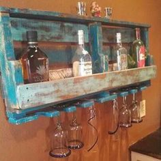 Drinks and glass holder made from a pallet