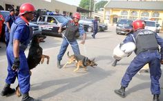Pandemonium in Lagos as police, NSCDC engage in shootout - http://theeagleonline.com.ng/news/pandemonium-in-lagos-as-police-nscdc-engage-in-shootout/