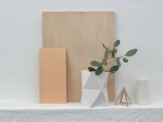 of paper and things: paper | cardboard vase