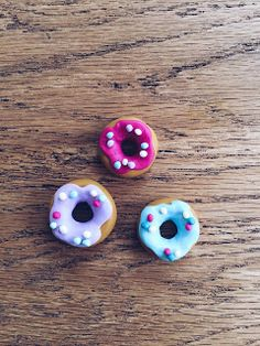 DIY Donut pendants made of FIMO Modeling