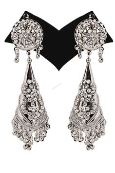 Andaaz Fashion now presents new arrivals earrings with RM39.00 ,Awesome Quality and latest fashion trends online silver earrings collection for this season which makes you gorgeous from head to toe. These jewellery are handmade and using alloy as the basic raw material which is danglers shaped with silver colour and silver danglers with crystal work and silver balls.   http://www.andaazfashion.com.my/jewellery/earrings/crystal-studded-jhumka-earrings-13672.html