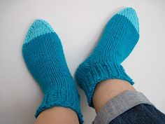 Cornflower Blue: free knitting pattern :: toastie socks