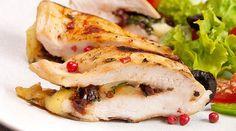 Pollo relleno de pesto de aguacate y alcachofa