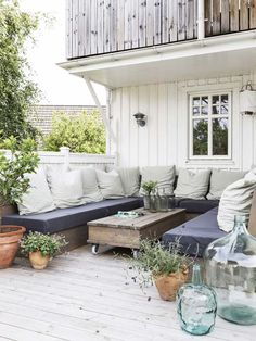 Beach Cottage Backyard Patio Exterior and Furnishings Outdoor Dining, Outdoor Spaces, Outdoor Decor, Pergola, Gravity Home, Country House Design, Outdoor Retreat, Outside Living, Back Patio