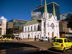 BOGOTÁ La Porciuncula Iglesias, Notre Dame, Building, Travel, Amor, Bogota Colombia, Places To Visit, Natural Resources, Buildings