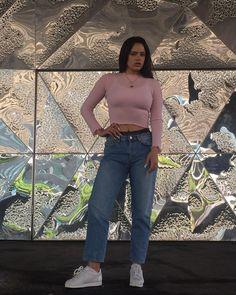 Publicación de Instagram de ROSALÍA • 3 Jun, 2017 a las 4:39 UTC Divas, Celebrity Outfits, Mean Girls, New Outfits, Spring Fashion, Mom Jeans, Style Inspiration, Clothes For Women, Stylish
