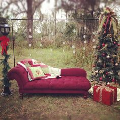 love this idea for an outdoor christmas photoshoot. maybe in the plans for next year Family Christmas Pictures, Holiday Pictures, Christmas Photos, Family Posing, Family Pictures, Family Portraits, Photography Mini Sessions, Holiday Photography, Photography Props