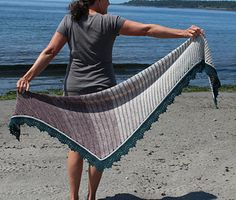 Ravelry: Barefoot on the Beach pattern by Laura Aylor