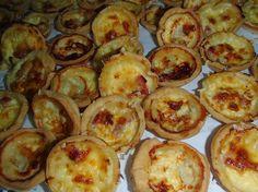 Mini quiches http://saveursdubois.com/buffets/buffets-francais-campagnards/buffet-regional.html