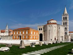 Inside the city of Zadar you'll find the pre-Romanesque church of St. Donatus as well as the bell tower of the Cathedral of St. Anastasia.