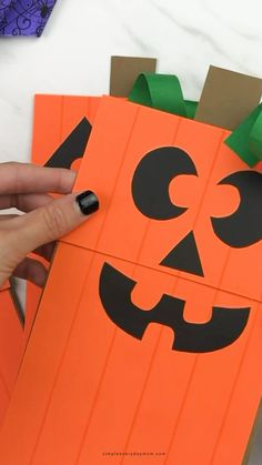 Puppet Crafts, Craft Stick Crafts, Preschool Crafts, Halloween Crafts For Toddlers, Toddler Crafts, October Crafts, Paper Bag Crafts, Paper Bag Puppets, Puppets For Kids